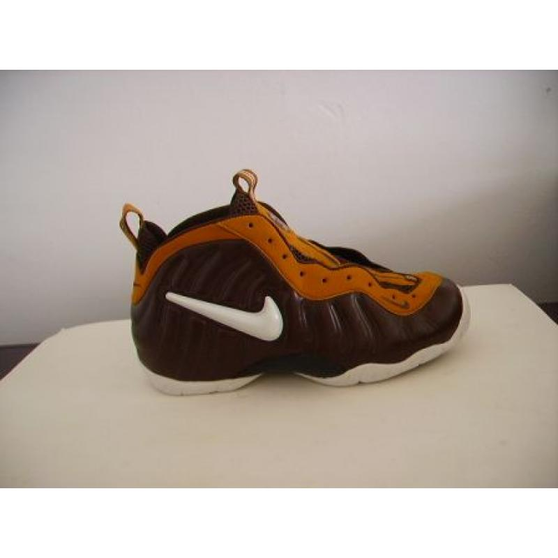 online retailer e601b 0a6b8 Nike Air Foamposite Pro White Brown